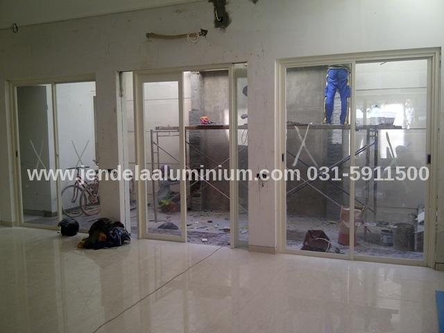pintu sliding aluminium rumah surabaya timur