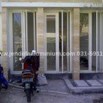 jendela swing aluminium rumah sidoarjo