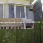 jendela swing aluminium rumah pakuwon city