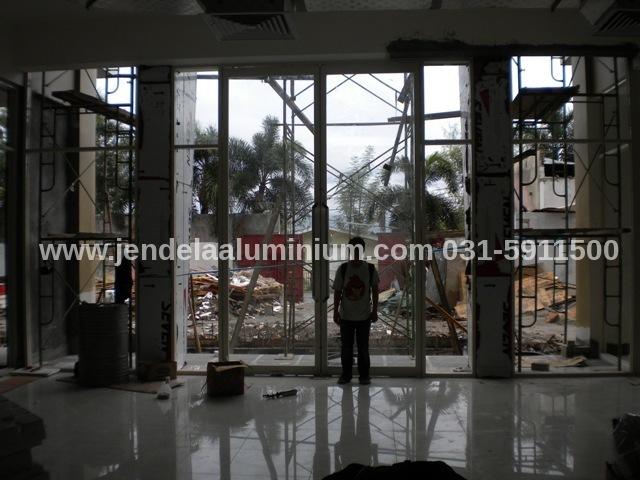 pintu aluminium swalayan sulawesi tengah