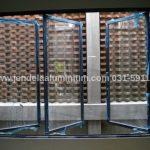 jendela casement tiga daun surabaya