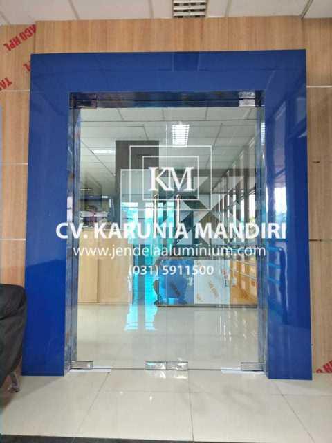 pintu frameless sidoarjo