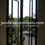 jendela swing aluminium surabaya