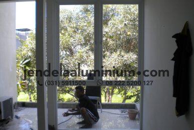 jendela aluminium rumah surabaya