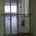 pintu swing aluminium rumah