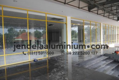 partisi showroom ufo kediri