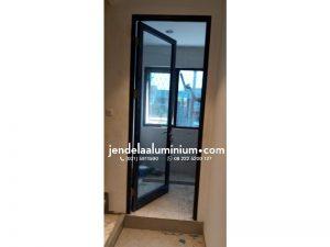 pintu swing aluminium hitam cafe bandung