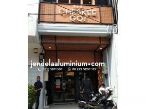 jendela aluminium hitam cafe buah batu bandung